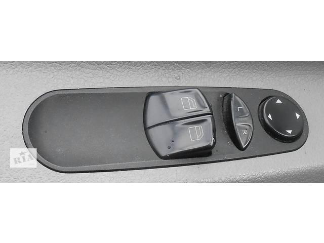 купить бу  Блок и кнопки управления зеркалами Mercedes Sprinter 906 (215, 313, 315, 415, 218, 318, 418, 518) в Ровно