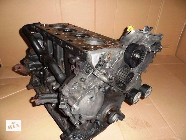 Блок двигателя Renault Master
