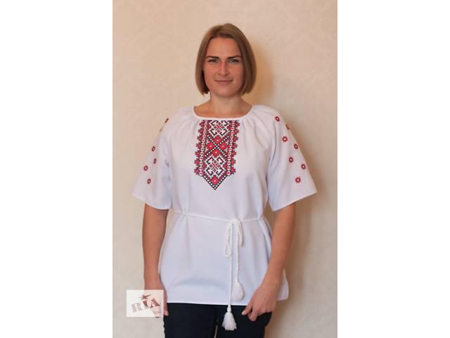 купить бу Блузка жіноча з оригінальною вишивкою в Киеве