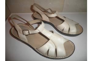 б/у Женские сандалии Clarks
