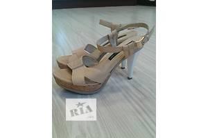 б/у Женская обувь Luciano Carvari
