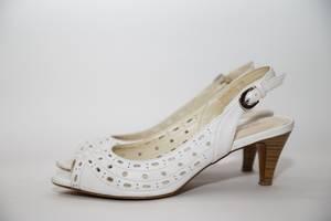 б/у Женская обувь Monarch