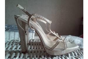 б/у Женская обувь Braska