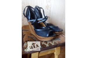 б/у Женская обувь Queen