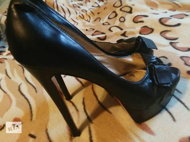 купить бу Босоножки-туфли от Christian Louboutin в Одессе