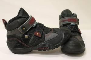 б/у Детские демисезонные ботинки Geox