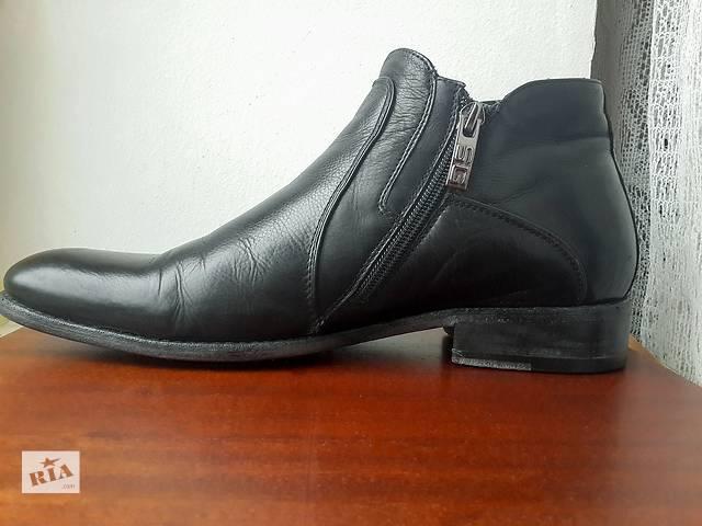 купить бу Продаю зимние мужские ботинки черного цвета Sandro Gluardiani в Киеве
