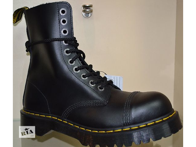 """купить бу ботинки осенние""""Доктор Мартинс""""(оригинал100% )мод.№8761чёрные р.41,42,43,44,45. в Чернигове"""