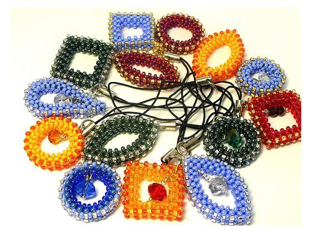 купить бу Брелки на мобильные телефоны, сумки, ключи из бисера в Мелитополе