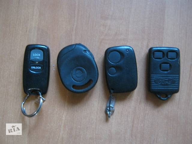 купить бу брелок(пульт) штатной сигнализации автомобиля в Ахтырке