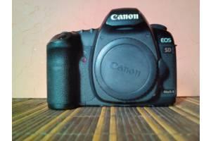б/у Профессиональные фотоаппараты Canon EOS 5D Mark II
