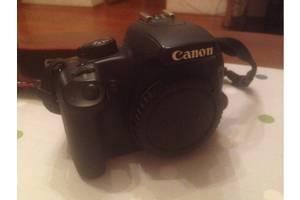 б/в Дзеркальні фотоапарати Canon EOS 1000D Kit (18-55 IS)