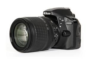 Новые Зеркальные фотоаппараты Nikon D3000 Kit (18-105 VR)