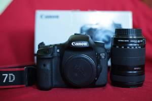 б/у Зеркальные фотоаппараты Canon EOS 7D Kit (18-135)