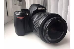 б/в Дзеркальні фотоапарати Nikon D3000 Kit (18-55 VR)