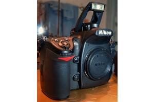 Новые 9'' Nikon D700 (24-70 VR)