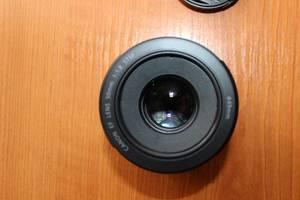 б/у Цифровые объективы Canon