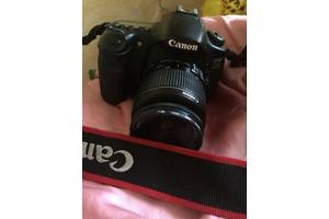 б/у Зеркальные фотоаппараты Canon EOS 60D Kit (18-55 IS)