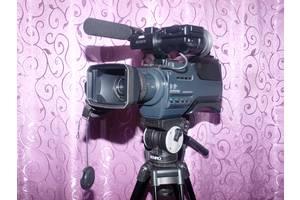 б/у Профессиональные видеокамеры Sony DCR-SD1000E