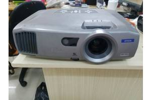 б/у Видеокамеры, видеотехника Epson