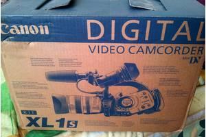 б/в Профессиональные видеокамеры Canon
