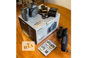 Canon 5D Mark III (Body) + 2 батареи и 3 CF флешки по 32гига и микрофон