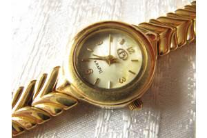 Новые Наручные часы женские Vostok