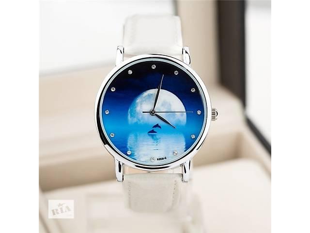 Часы женские с кожаным ремешком- объявление о продаже  в Херсоне