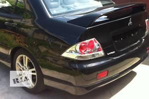 Четверть автомобиля Mitsubishi Lancer