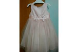 б/у Детские нарядные платья Mothercare