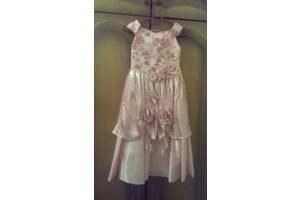 б/у Дитячі святкові сукні
