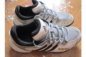 б/у Женские кроссовки Adidas