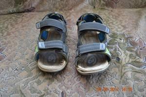 б/у Детские сандалии