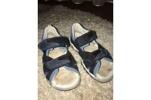б/в Дитячі сандалі Bartek