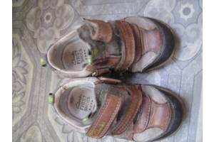 б/в Туфлі дитячі для хлопчиків Clarks