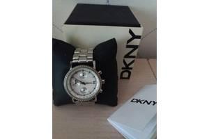Наручные часы женские DKNY