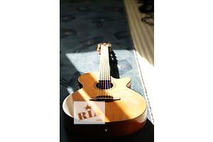 б/у Електро-акустичні гітари