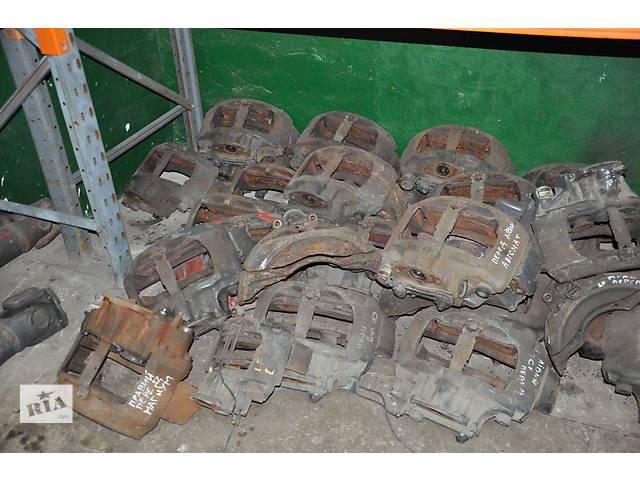 купить бу Cуппорт, цапфа, ступица DAF XF 95, CF 65, LF 45, Renault Magnum в Ровно