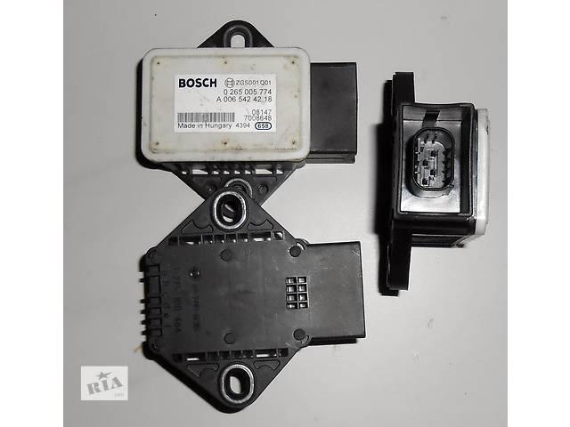 купить бу Датчик ESP, ускорения Bosch А0065424218, А 0065424218, А 006 542 42 18 Мерседес Спринтер 906 (215, 313, 315, 415, 218, 3 в Ровно