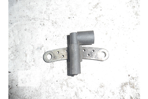 б/у Датчики коленвала Dacia Solenza