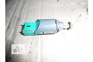 б/у Датчики педали тормоза Renault Trafic
