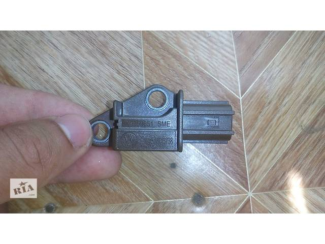 продам Датчик удара VAG 8K0 959 651 AUDI Оригинал бу в Бердянске