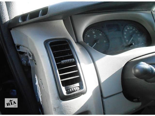 бу Дефлектор, обдув воздуха Nissan Primastar Ниссан Примастар, Opel Vivaro Опель Виваро Renault Trafic Рено в Ровно