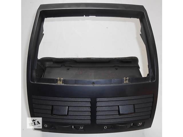 купить бу Дефлектор центральный Volkswagen Touareg Фольксваген Туарег 2003г-2009г в Ровно