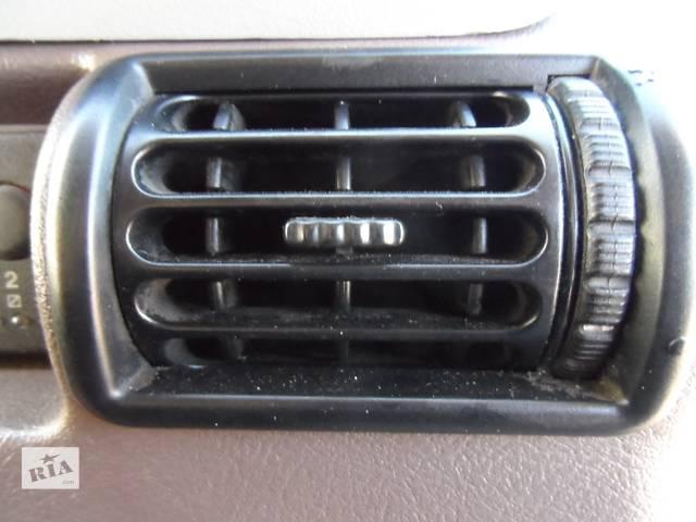 продам Дефлектор, воздуховод Рено Маскотт (Маскот) Renault Mascott 2.8 dci 1999-2004 бу в Ровно