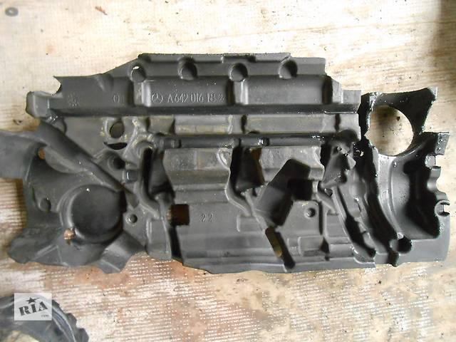 бу  Декоративная крышка двигателя Mercedes Sprinter 906, 903 (215, 313, 315, 415, 218, 318, 418, 518) 1996-2012 в Ровно