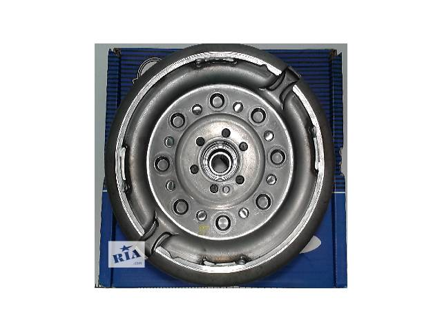 бу Демпфер Маховик + комплект сцепления VW Caddy 1.9TDI  2289 000 280 в Луцке