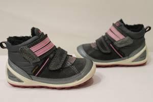 б/у Детские демисезонные ботинки Eссо