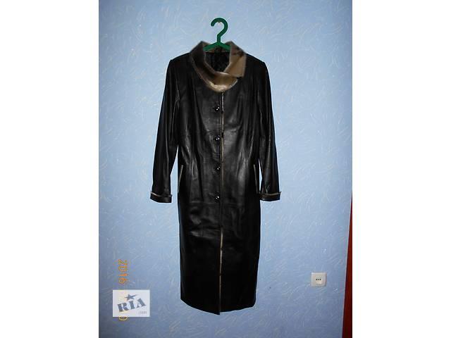 Демисезонный женский кожаный плащ- объявление о продаже  в Макеевке