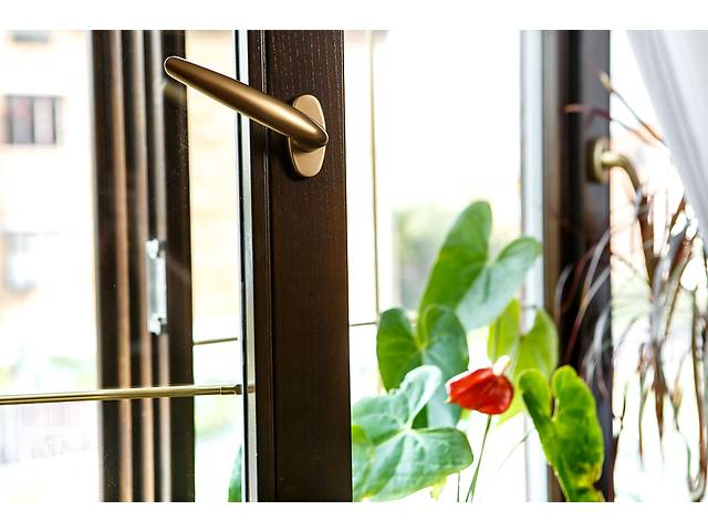 продам деревянные окна и двери из евробруса бу в Тернополе